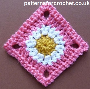 Free Crochet Easy Granny Square Patterns : Free crochet pattern a simple granny square usa